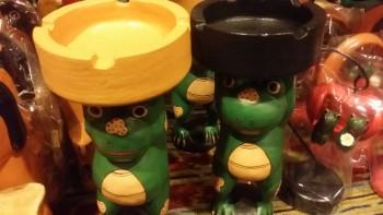 バリ島木彫りアニマル灰皿カエル