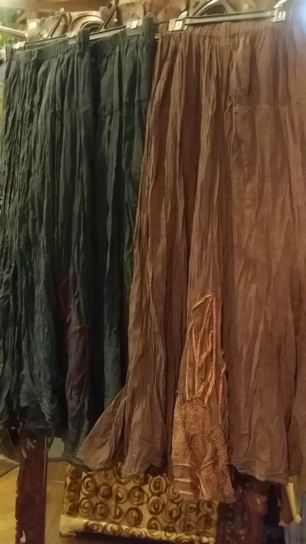コットン刺繍スカート