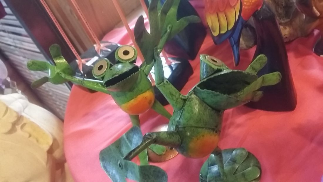 ブリキのカエル