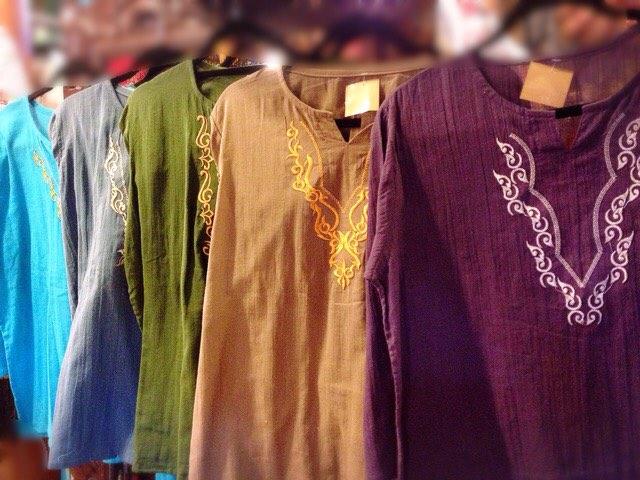 刺繍クルタシャツ