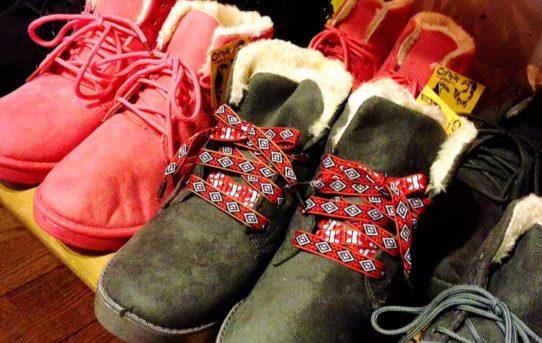 ムートン風の暖かブーツ入荷しました。