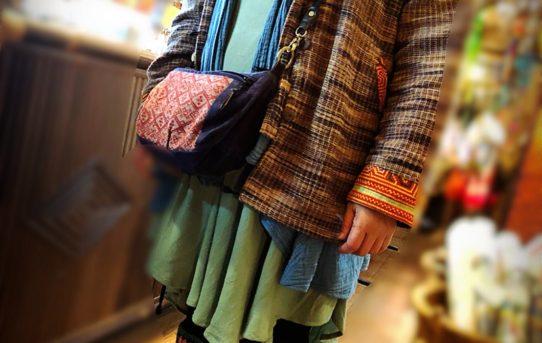 お客様コーデ!チェンマイのダブルコットンに、ジョムトン織りのジャケット