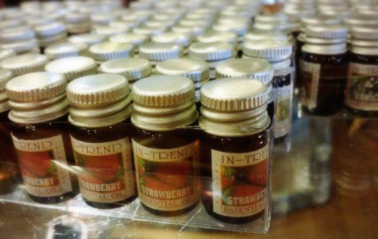 新入荷!タイのアロマオイル種類18種類入荷しました。