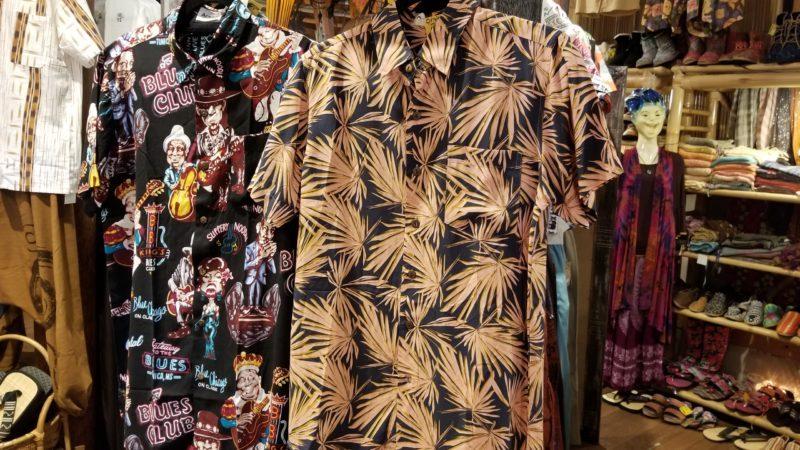 夏のアロハシャツ
