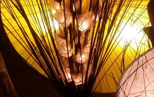 タイからのお花のランプ