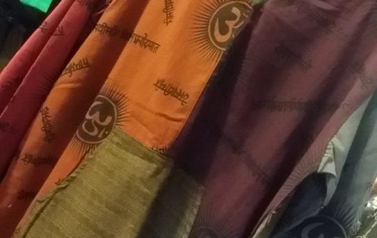 今日は羽織物 ジャンパー系のご紹介
