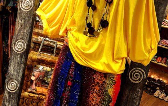 昨日のプチエスニックファッションコーデに続いて今日もプチエスニックコーデ