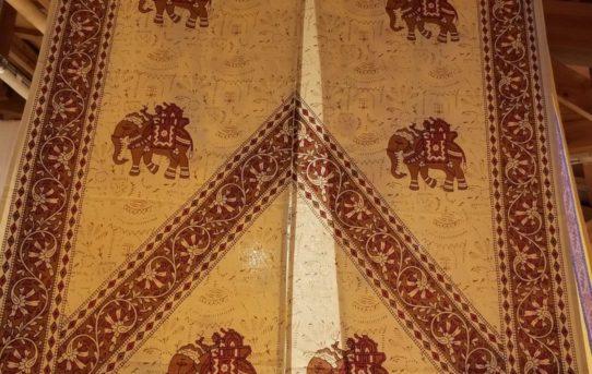 インド綿の人気の 暖簾 入荷しました。