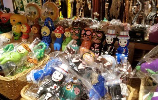 バリ島から木彫りや雑貨、ランプなど入荷!