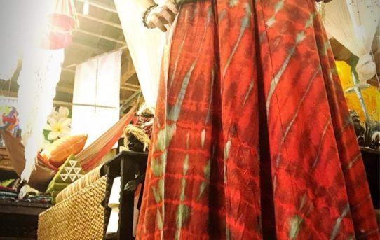 秋のエスニックファッションコーデ!レーヨンスパンディックタイダイ染めフレアスカート