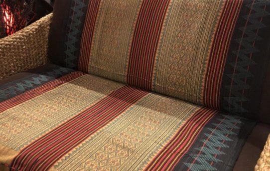 お部屋の模様替え!マルチな布のご紹介!ナガ族の織り生地