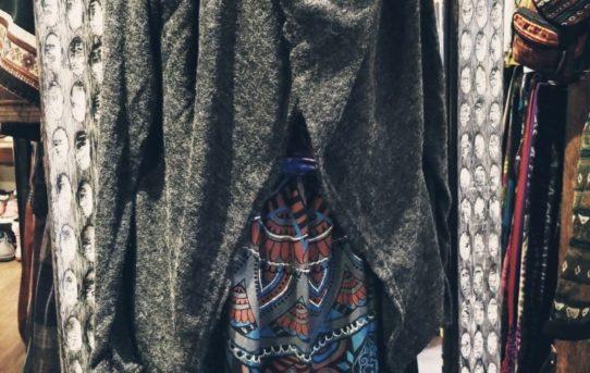 今日は薄手のアクリルウールの暖かシリーズのご紹介