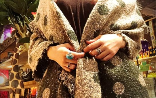 冬のエスニックファッションコーデ!ストール